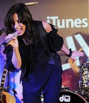 67495_Preppie_Demi_Lovato_performing_live_at_The_Apple_Store_in_London_04_22_09_9246__122_1076lo.jpg