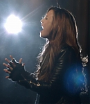 Demi_Lovato_-_Give_Your_Heart_a_Break_(Official_Video)_126.jpg