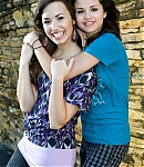89285_Preppie_Selena_Gomez_and_Demi_Lovato_on_and_off_the_set_of_Princess_Protection_Program_in_San_Juan_Puerto_Rico_-_July_4_2008_2289_122_200lo.jpg