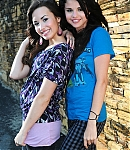 93563_Preppie_Selena_Gomez_and_Demi_Lovato_on_and_off_the_set_of_Princess_Protection_Program_in_San_Juan_Puerto_Rico_-_July_4_2008_2845_122_363lo.jpg